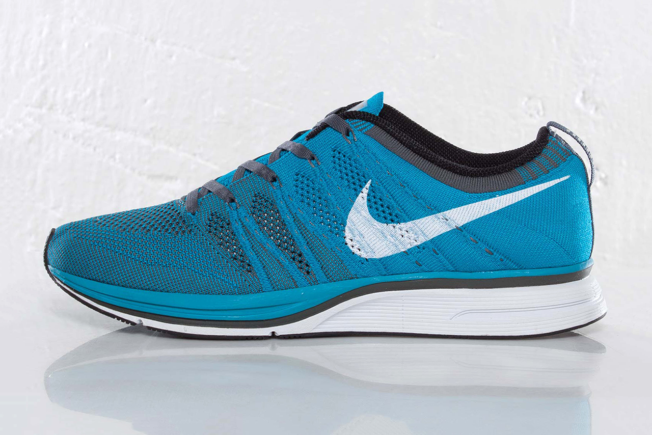 nike flyknit trainer neo turquoise