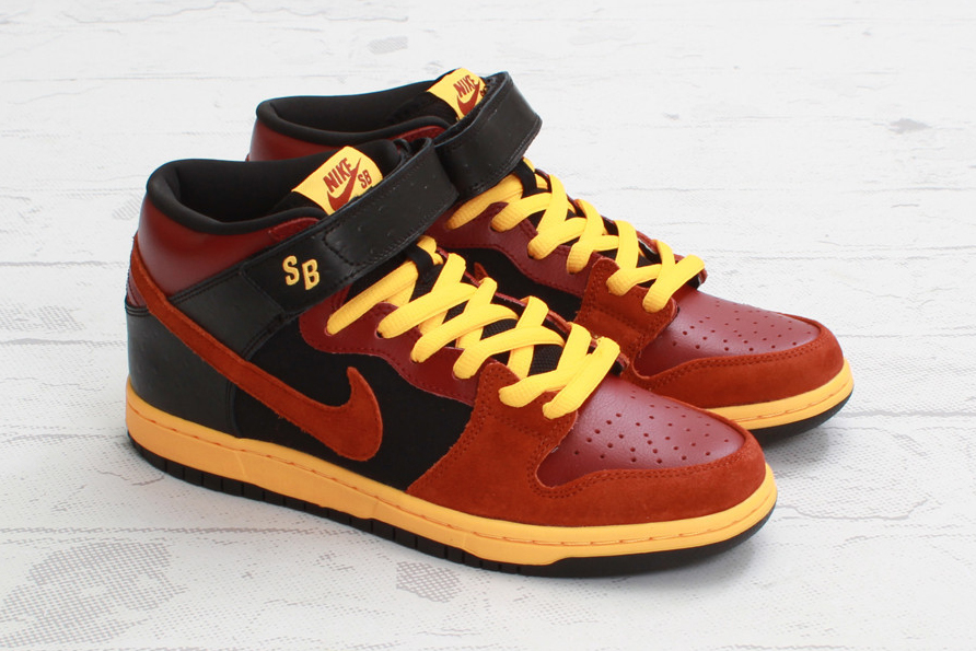 nike sb dunk mid pro team red rugged orange