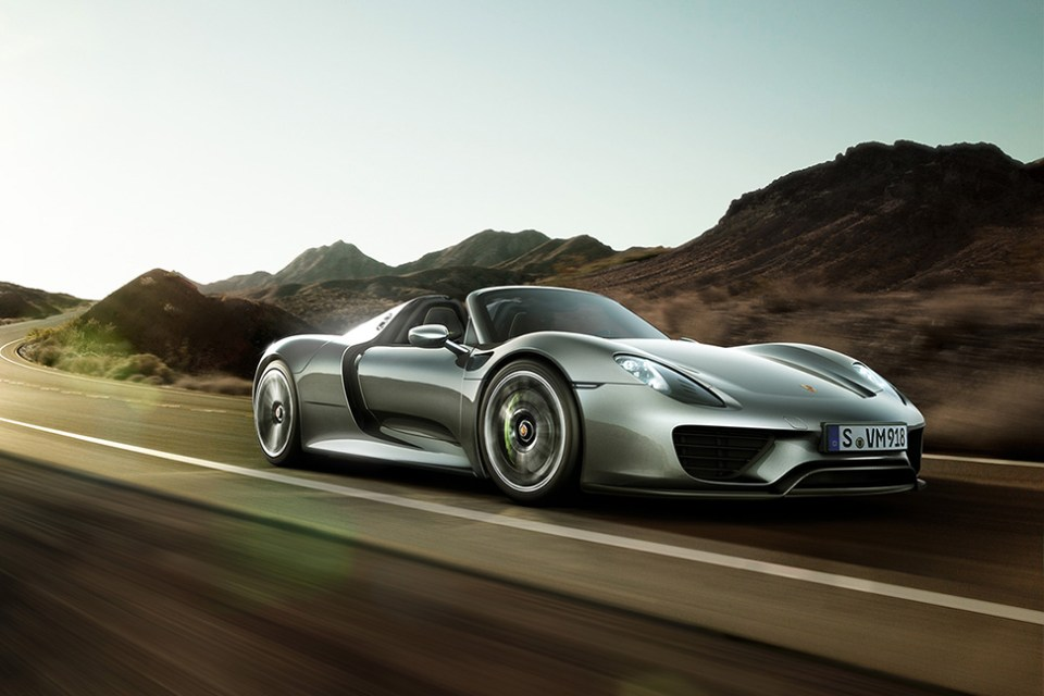 a look at the 2015 porsche 918 spyder hybrid hypebeast. Black Bedroom Furniture Sets. Home Design Ideas