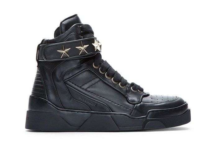Givenchy Black Leather Star-Detail Sneaker