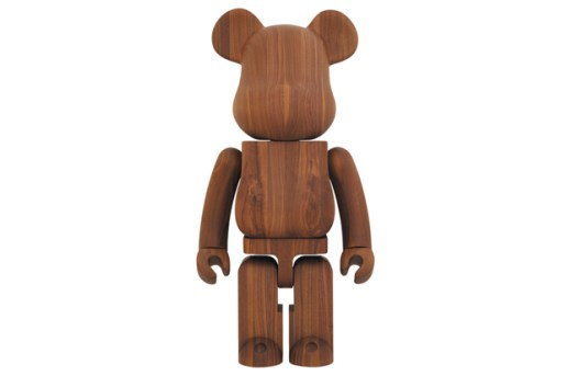 Karimoku x Medicom Toy Walnut 1000% Bearbrick