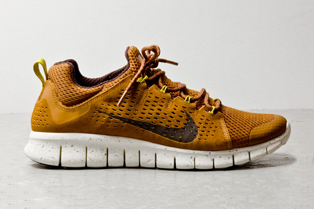 nike free powerlines ii almond brown