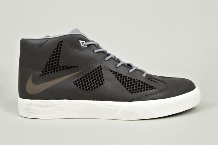 "Nike LeBron X NSW Lifestyle NRG ""Night Stadium"""