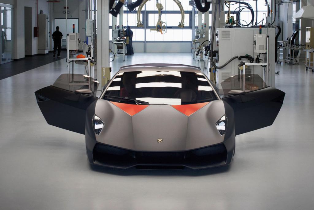 A Look at the Lamborghini Sesto Elemento