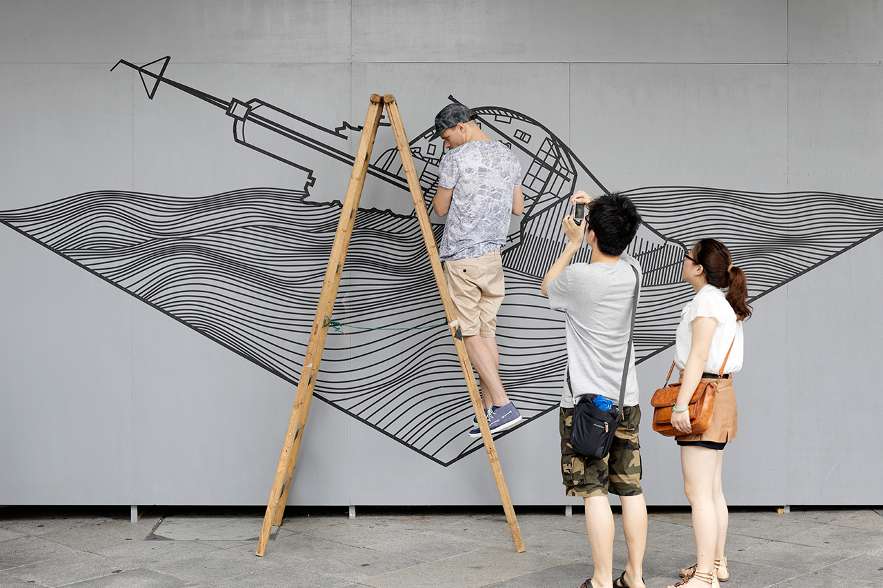 """Converse's """"Wall to Wall"""" Leaves Its Impressions on Hong Kong"""