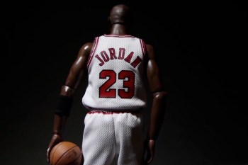 A Further Look at the ENTERBAY Michael Jordan #23 Series 1 Figure | Video