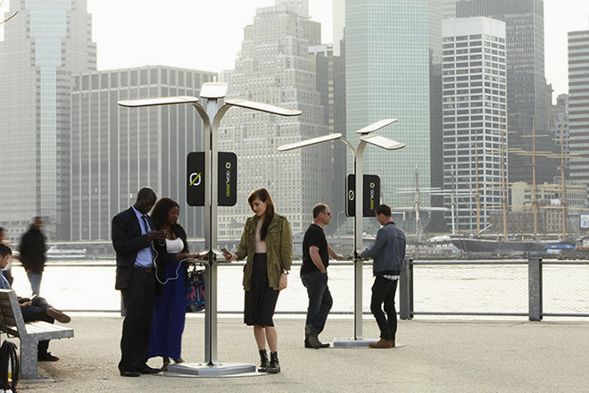 Free Phone Charging Stations to be Installed in New York City