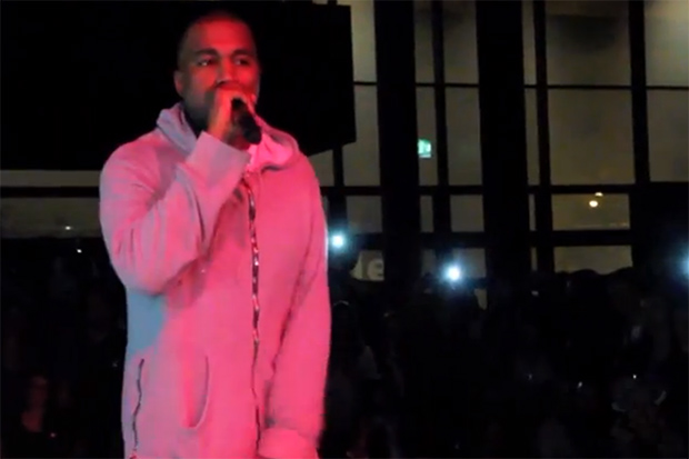 "Kanye West Performs ""New Slaves"" (Acapella) at Art Basel"