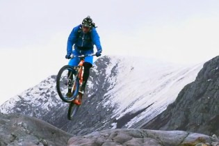 Steve Peat Test Drives the Santa Cruz Solo Through the Scottish Mountains