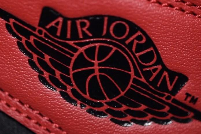 "A Further Look at the Air Jordan 1 Retro High OG ""Black Toe""   Video"