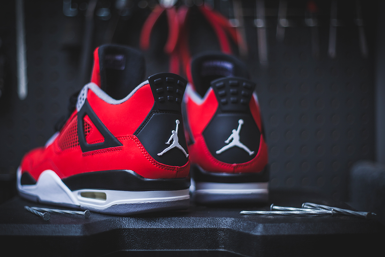 air jordan 4 retro fire red cement grey toro bravo