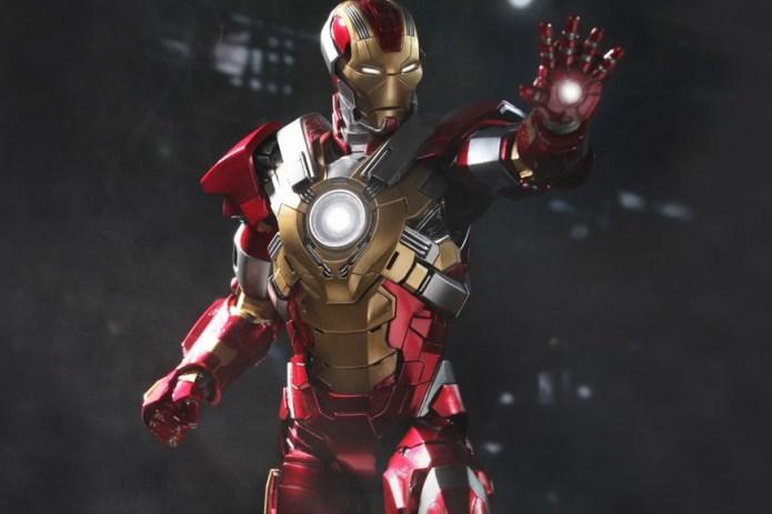 "Hot Toys Iron Man 3 ""Heartbreaker"" Mark XVII Limited Edition Collectible Figure"