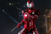 Hot Toys Iron Man 3 Silver Centurion Mark XXXIII Limited Edition Collectible Figure