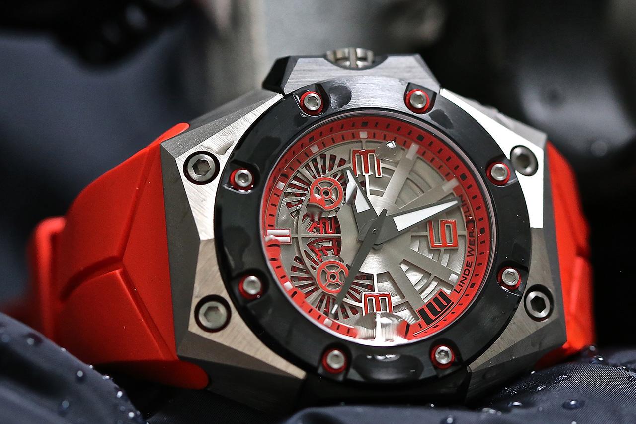 Linde Werdelin Oktopus II Double Date Titanium Red