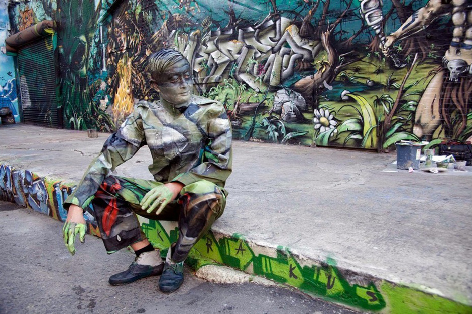Liu Bolin's Latest 'Hiding In The City' Photographs