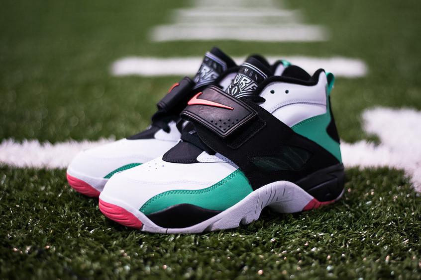 """Nike Air Diamond Turf """"Gamma Green"""""""