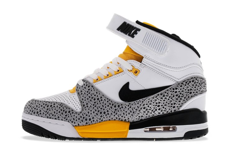 Nike Air Revolution White/Black-Wolf Grey-University Gold