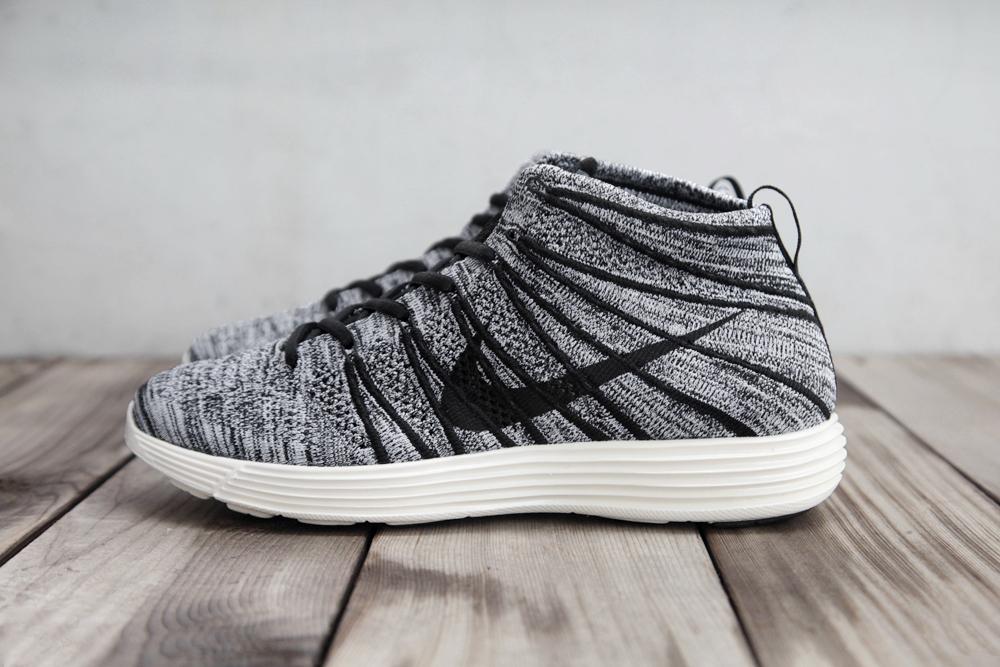 últimas colecciones mayor en línea Nike Barato Flyknit Dibujos Chukker Blanco Y Negro venta en línea eastbay descuento venta excelente MM8JBOh