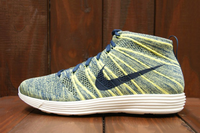 Nike Lunar Flyknit Chukka Squadron Blue/Electric Yellow