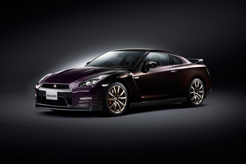nissan unveils the 2014 gt r special edition