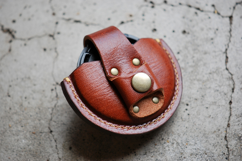 Roberu Leather Lens Cap Case
