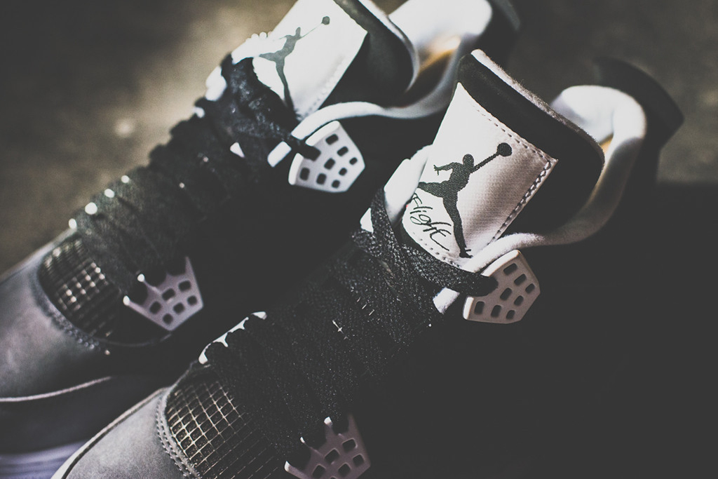 a closer look at the air jordan 4 retro fear