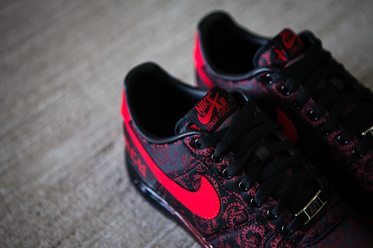 a closer look at the acu x nike sportswear lunar force 1 shanghai city pack