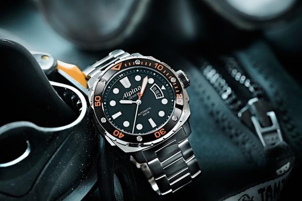 Alpina 300 Extreme Diver Orange Collection