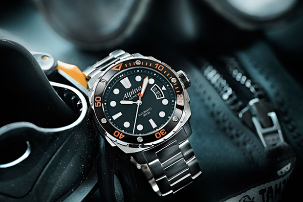 Alpina 300 Extreme Diver Orange Collection