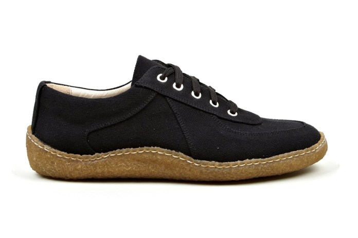 COMME des GARÇONS SHIRT Men's Navy Cotton Canvas Sneaker