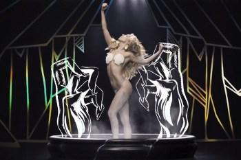 Lady Gaga - Applause | Video