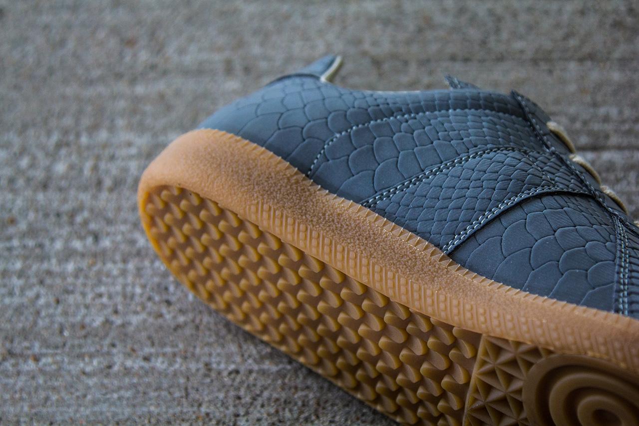 Maison Martin Margiela 2013 Fall/Winter Grey/Reflective Replica Sneaker