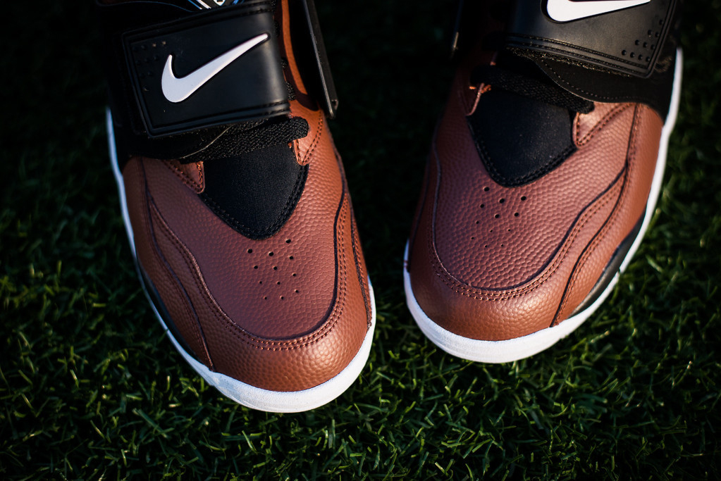 "Nike Air Diamond Turf ""Football"""