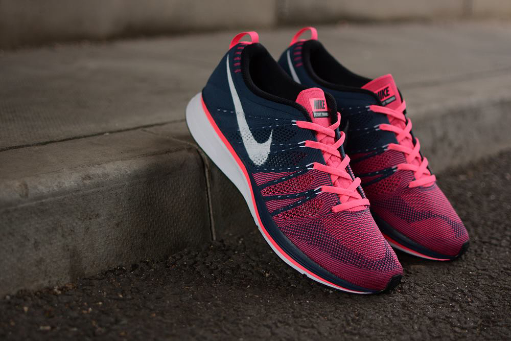 Nike Flyknit Pink