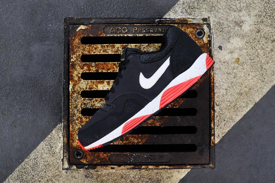 Nike Lunar Terra Safari Dark Charcoal/Black-Atomic Red