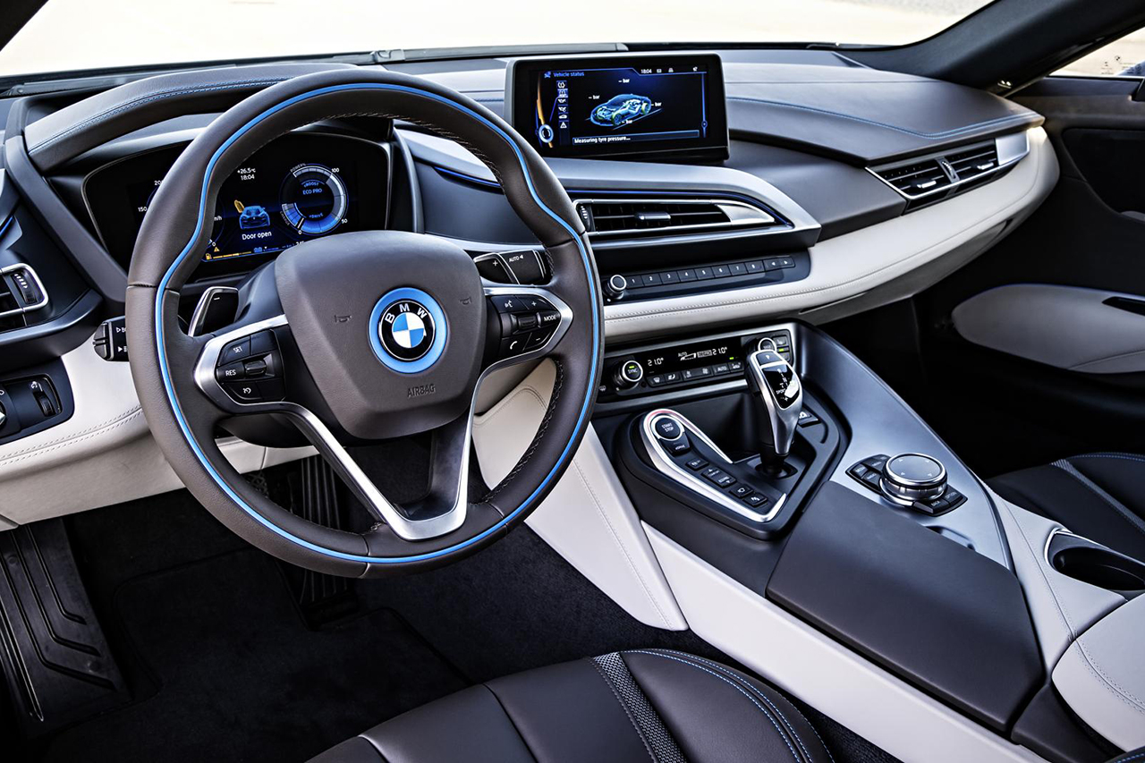 a closer look at the bmw i8