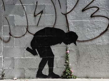 "Banksy ""Better Out Than In"" New Street Piece In Los Angeles"