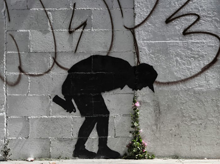 """Banksy """"Better Out Than In"""" New Street Piece In Los Angeles"""