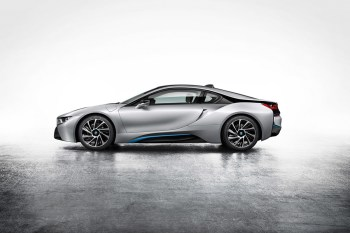 BMW Debuts the i8 Hybrid Sportscar