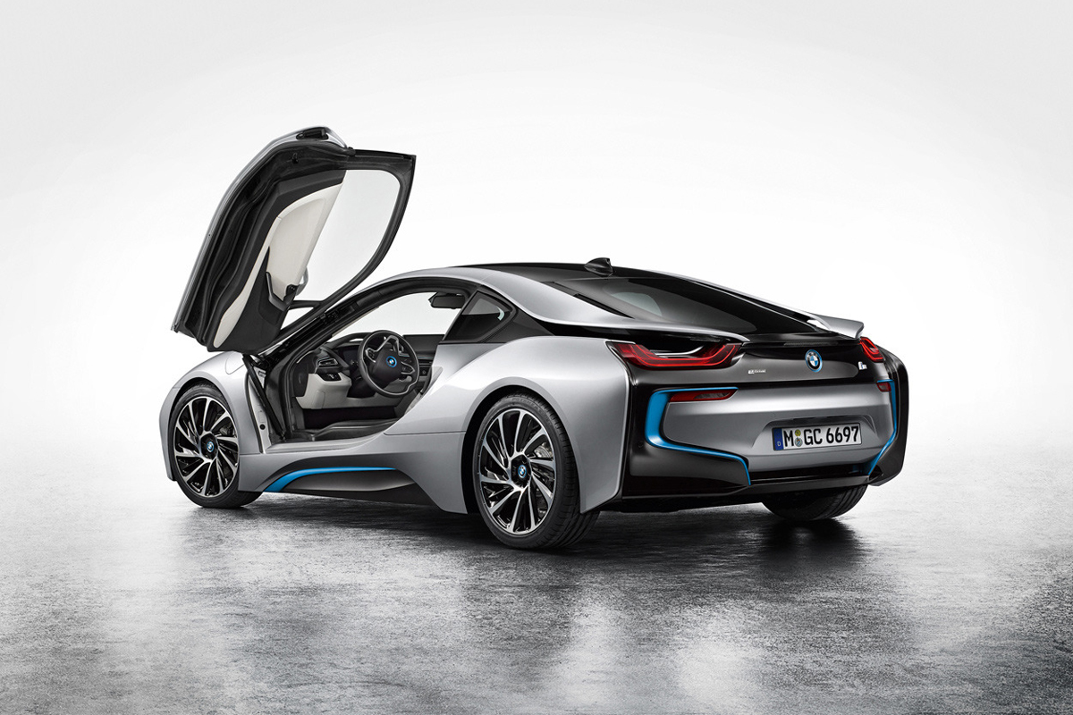 BMW Debuts the i8 Hybrid Sportscar