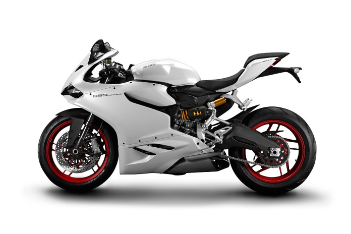 Ducati Unveils the 899 Panigale