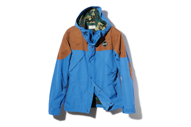 F.C.R.B. 2013 Fall/Winter FABRIC MIX MOUNTAIN PARKA