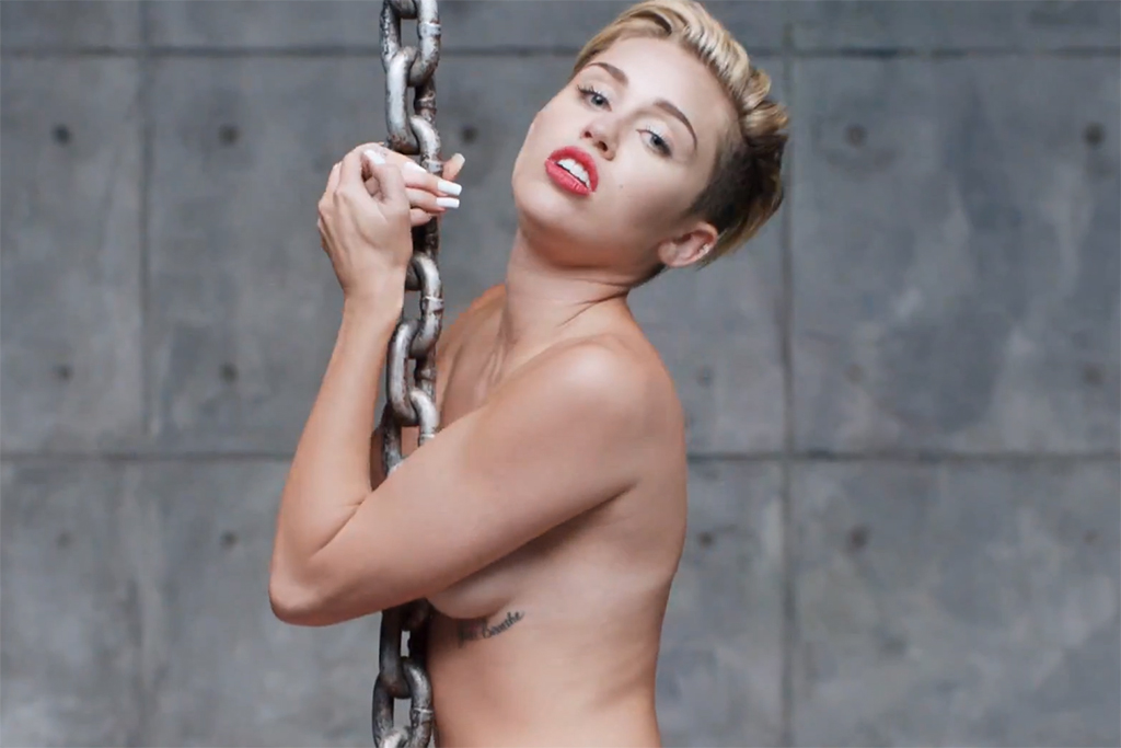 Miley Cyrus - Wrecking Ball | Video