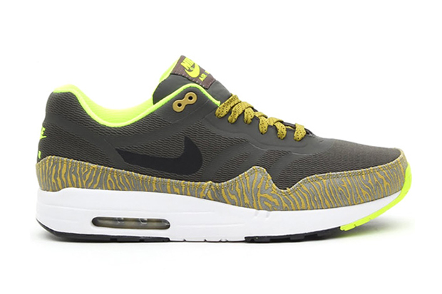 Nike Air Max 1 PRM Tape Parachute Gold/Summit White