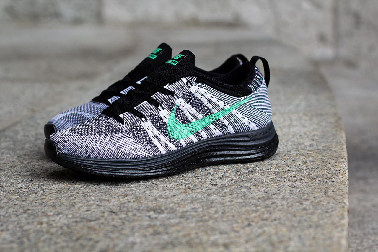 Nike WMNS Flyknit Lunar 1+ White/Green Glow-Dark Grey-Black