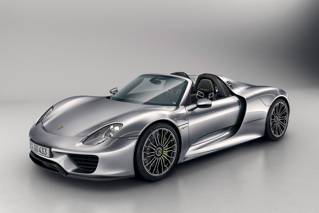 Porsche Officially Debuts the 918 Spyder