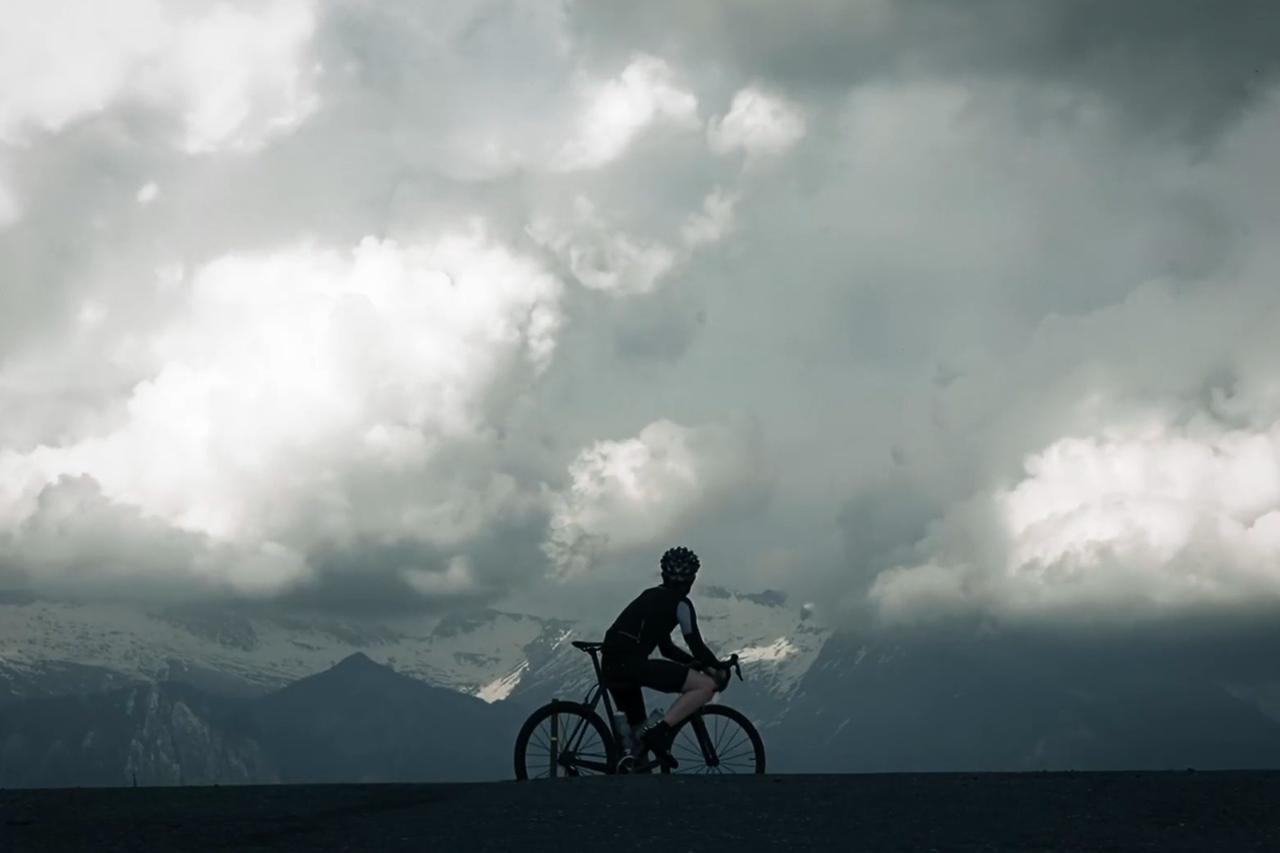 Vandeyk Presents 'Machine for Riding'