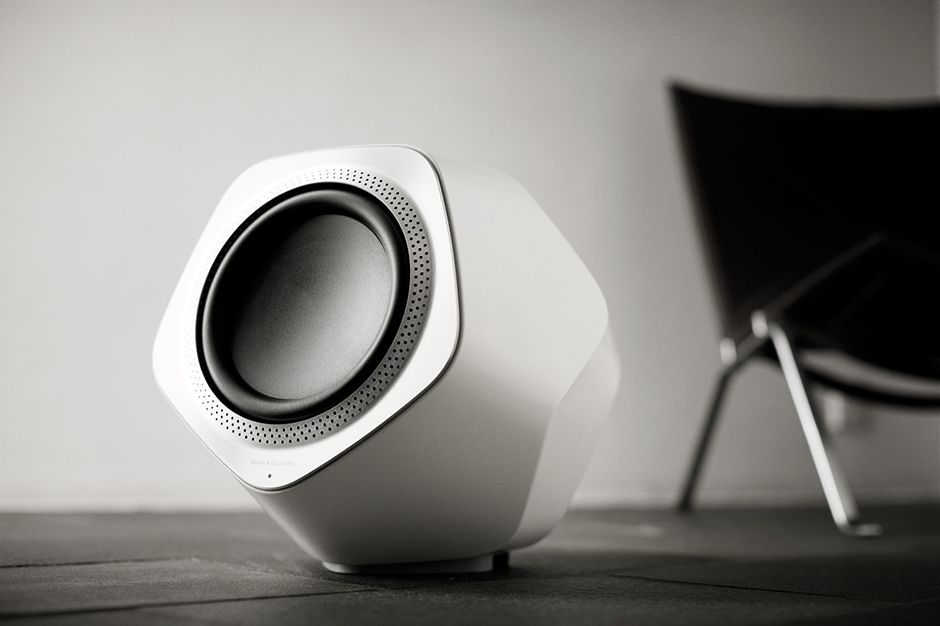 bang olufsen beolab wireless speakers and subwoofer