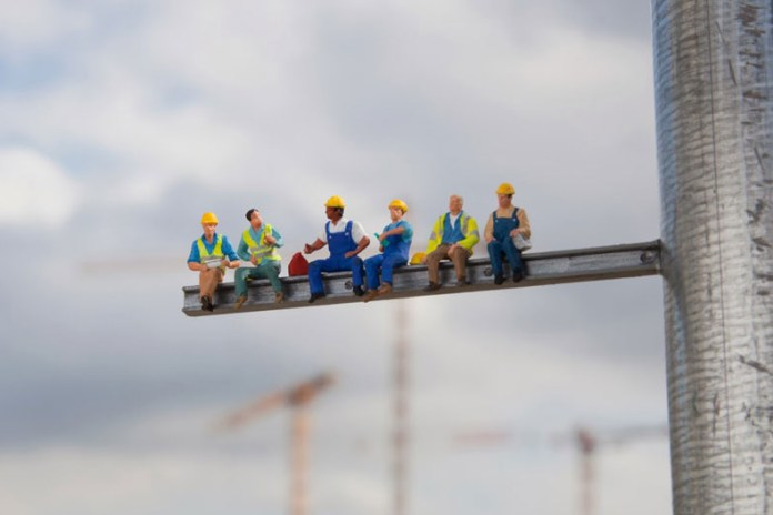 Miniature Workers by Slinkachu Raise Unemployment Awareness