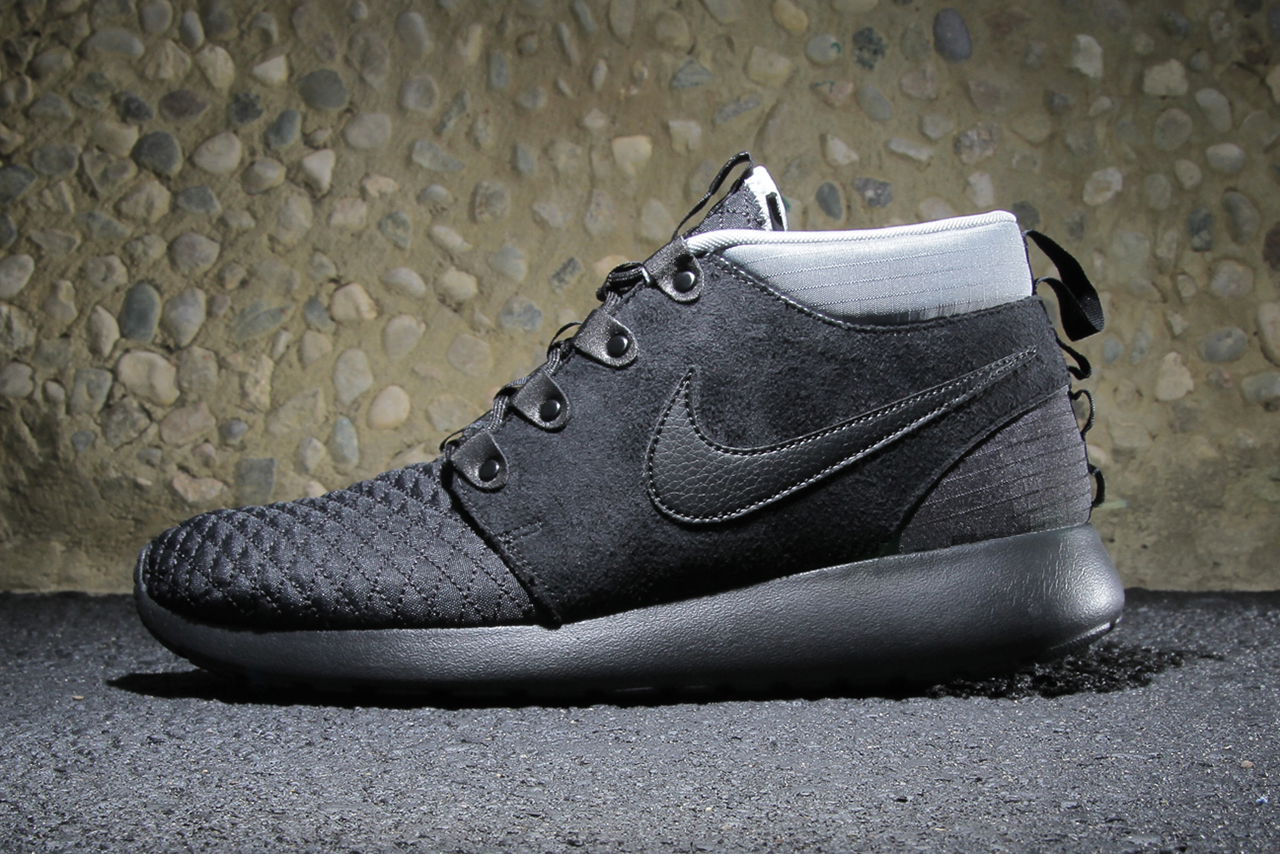 Nike Roshe Run SneakerBoot Black/Black-Silver